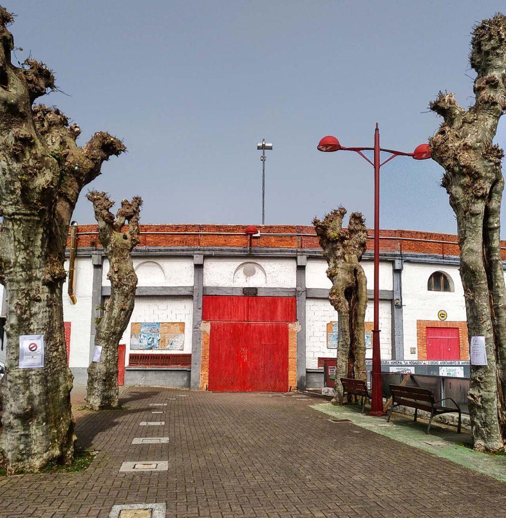 Plaza Toros Puerta Grande Ampuero
